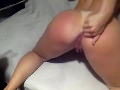 Rasgando o cuzinho virgem da amadora gostosa