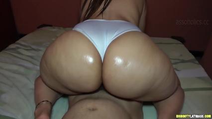 Safada de bunda grande traindo o namorado xvideosporno-7342