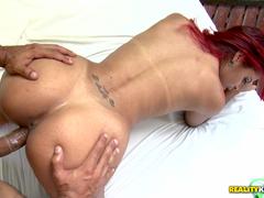 Ruiva brasileira dando gostosa no motel