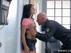 Policial fodendo com a meliante safada