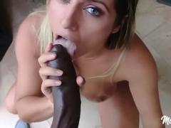 Porno amador com a gostosa Mia Linz