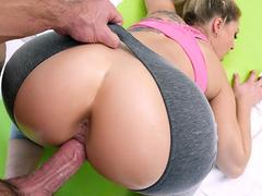Aluna gostosa fazendo pornô com o professor de ginastica