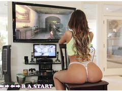 Novinha gamer gostosa metendo com negão