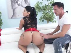 Estrela pornô nacional fazendo putaria com gringos
